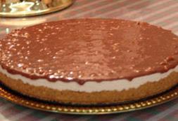 كعكة الجبنة بطبقات الشوكولاطة