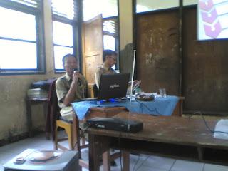 RAPAT PERSIAPAN UN SD TAHUN 2011
