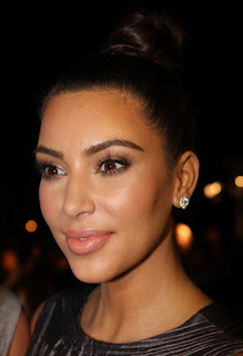 https://commons.wikimedia.org/wiki/File:Kim_Kardashian_2,_2012.jpg