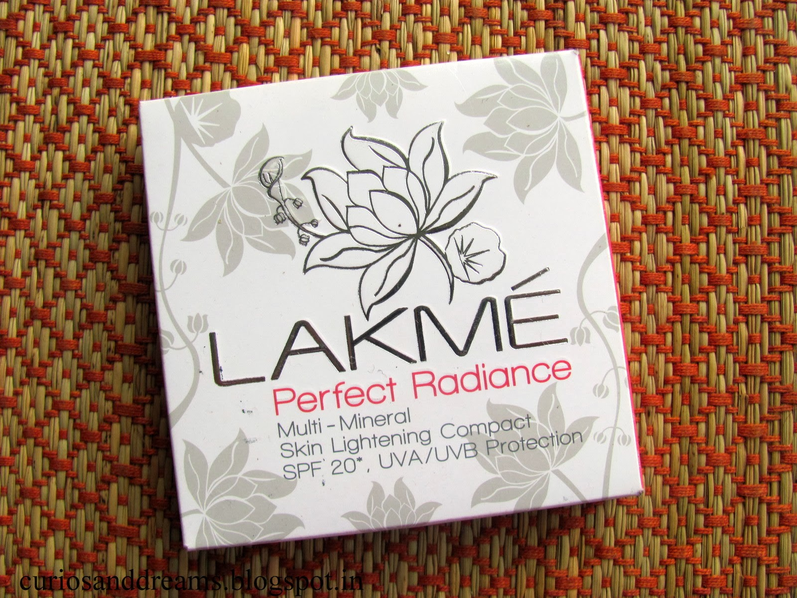 Lakme Perfect Radiance Multi Mineral Compact Review