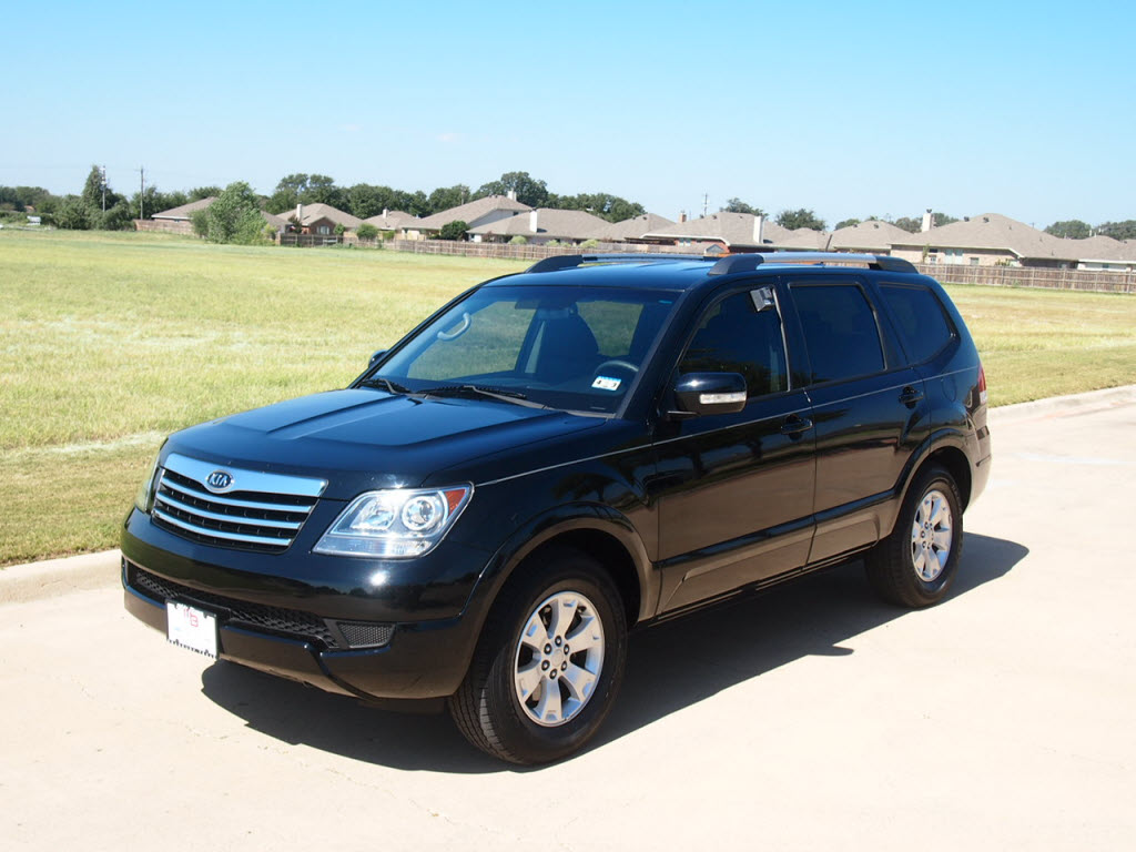 2009 Kia Borrego SUV 27k miles  16 988 Texas Best Car Truck Deal