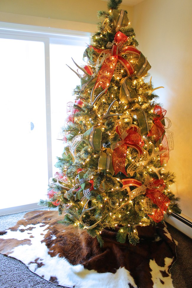 its super wide and add so much to the tree i used 2 rolls of 2 12 inch and 1 rolls of 1 12 inch ribbon