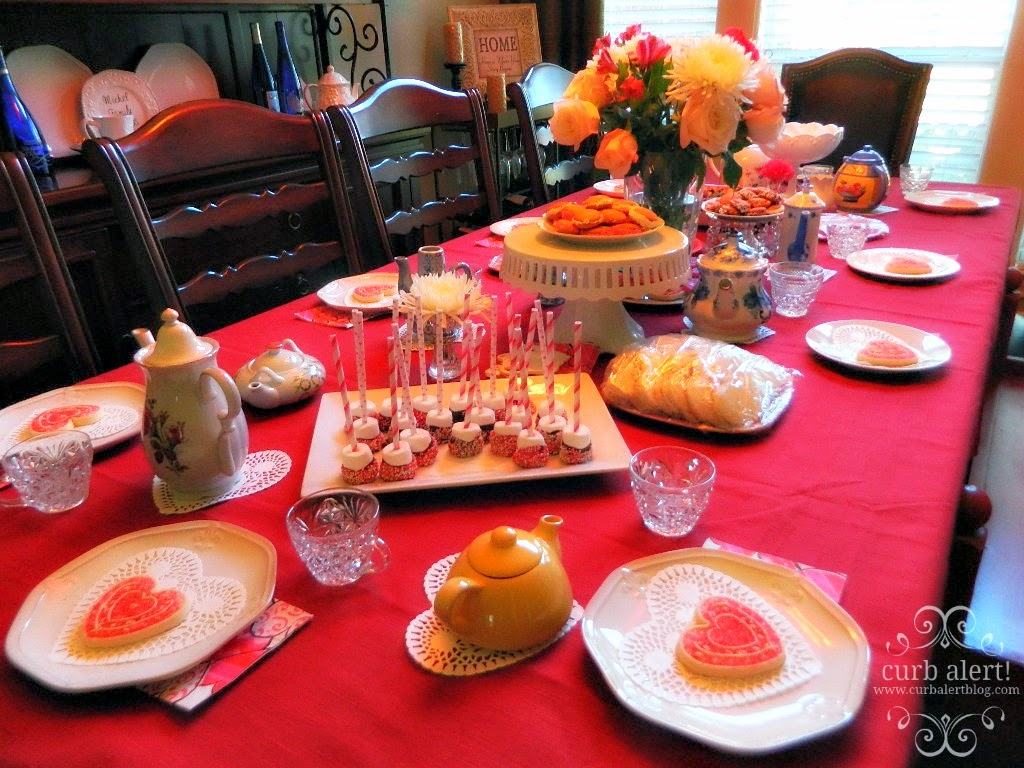 Tea Party Pink and Red Table Ideas for Little Girls via Curb Alert! Blog http://www.curbalertblog.com/2014/03/tea-party-ideas-for-little-girls.html