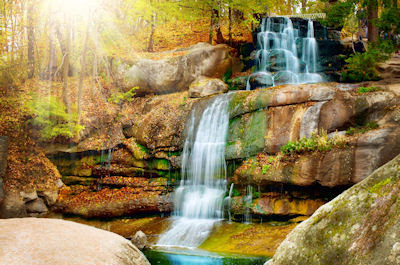 Cascadas del manantial - Agua natural que se puede beber