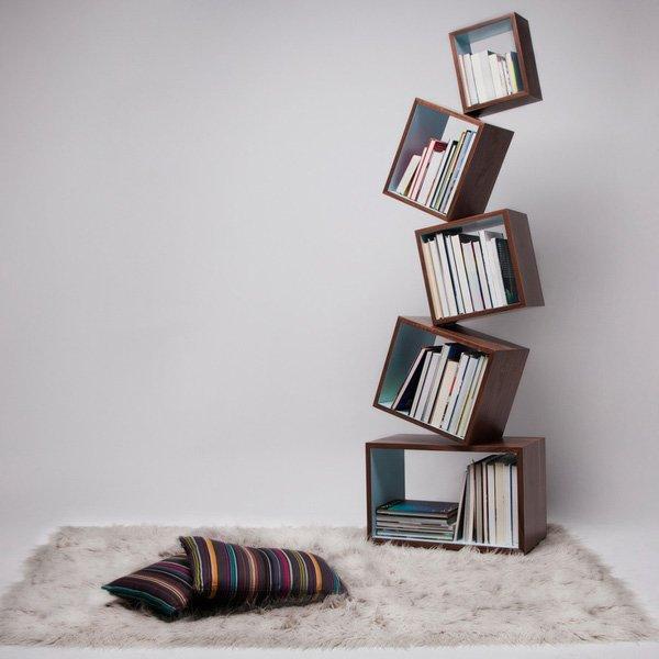 Estante de livros originais para incrementar a decoração