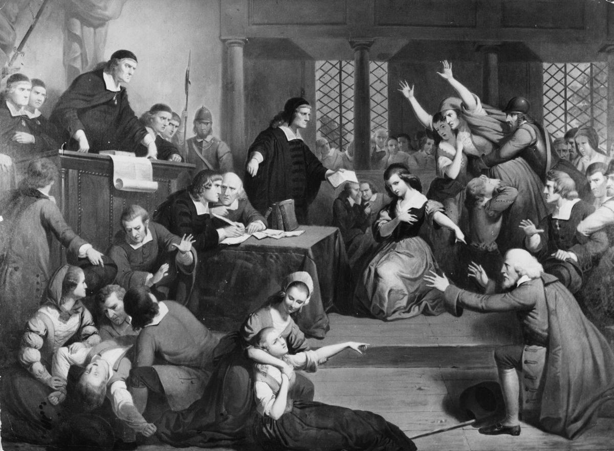 Las Viejas Costumbres [Libre] Salem-Witch-Trials-51239522a