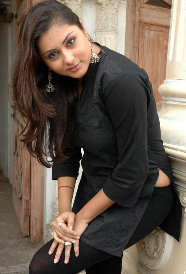namitha in black kurta - namitha latest hot blackkurta pic