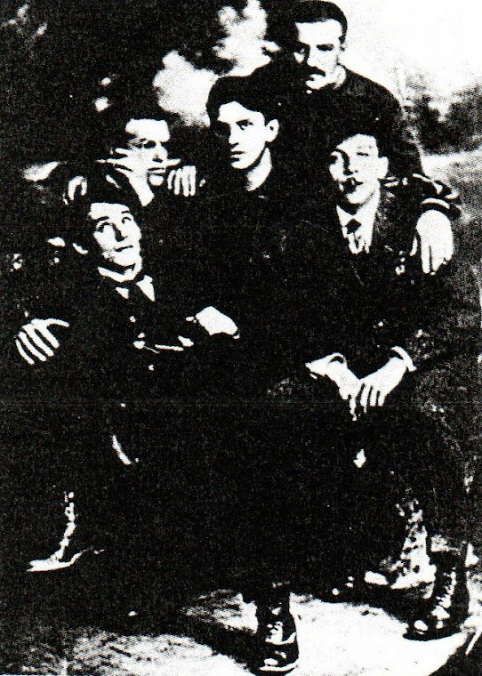 O Grupo (Literário Russo)  Hyleae (São Petersburgo, 1910-1913).