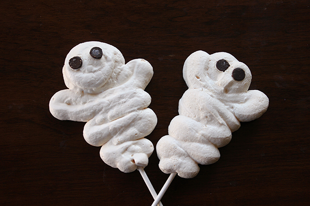 Ghost Meringue Cookies from The Secret Life of a Chef's Wife and The ...