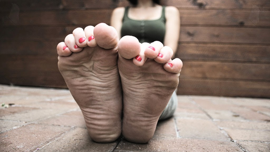 Dating a girl with ugly feet