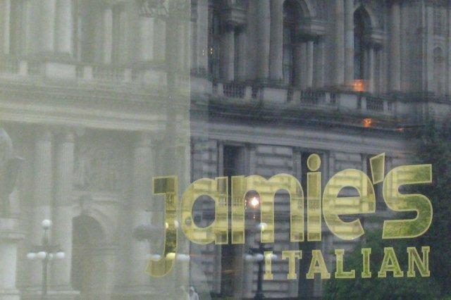 Edificio - Restaurante italiano Jamie's Italian en la Plaza George Square de Glasgow