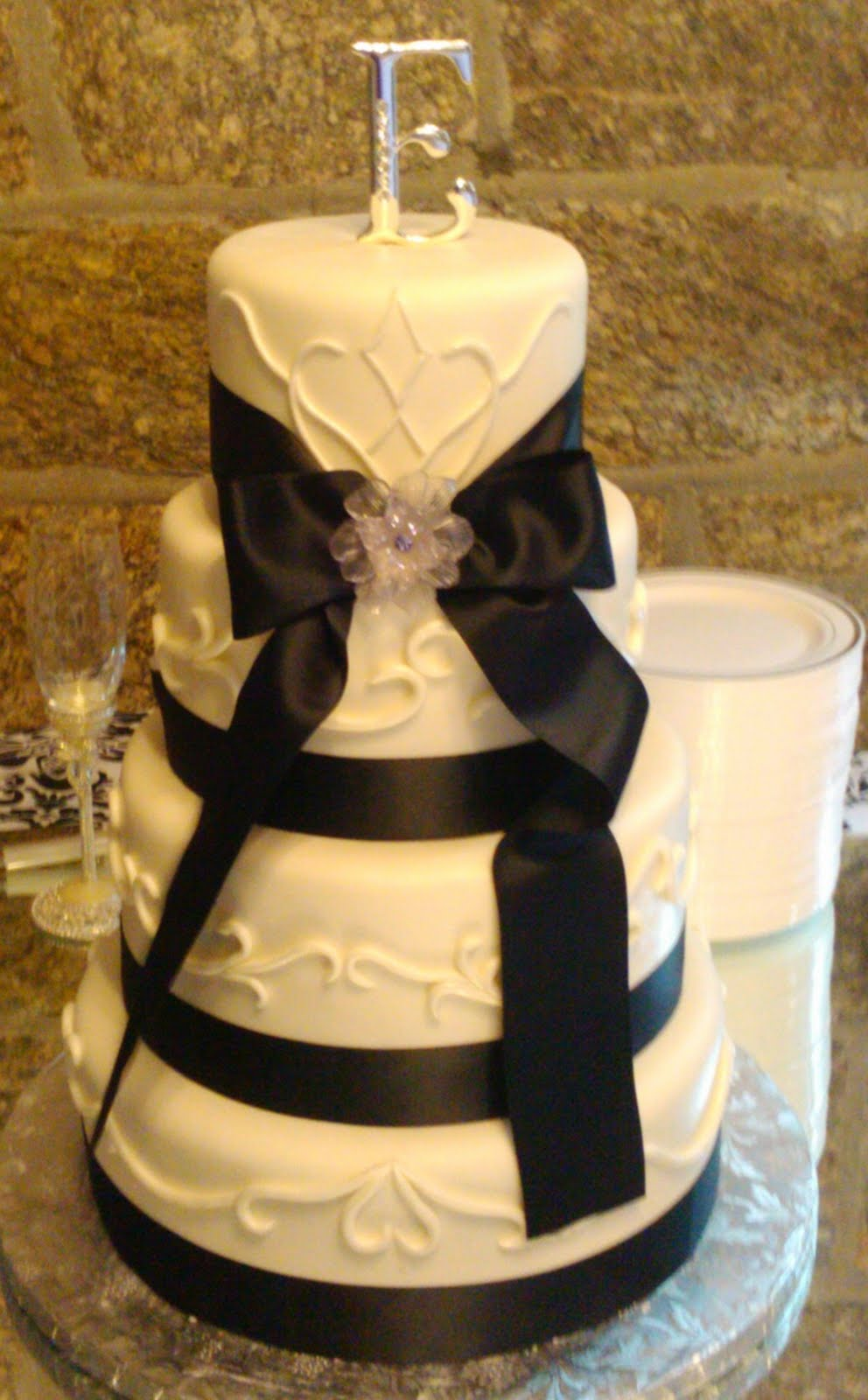 Art Eats Bakery custom fondant wedding and birthday cake designs ...
