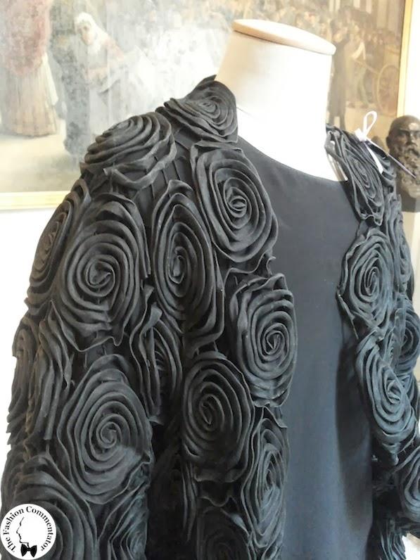 Valentina Cortese - Mostra Milano - Maurizio Galante black roses (detail)