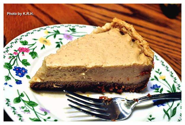 Christmas Eggnog Cheesecake in a Cinnamon Graham Cracker Crust
