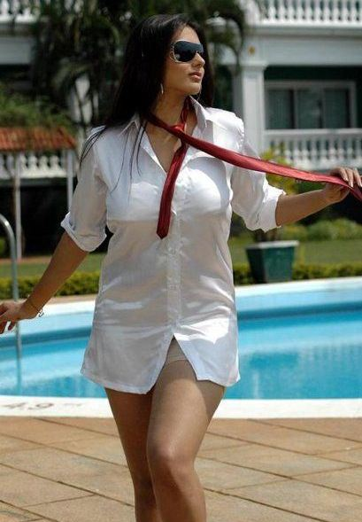 namitha+hot+images+in+bikni
