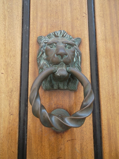 Selwyn House London lion head door knocker