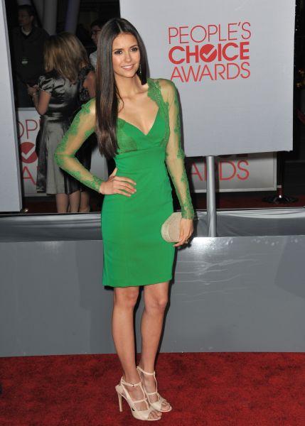 Vestido verde unas