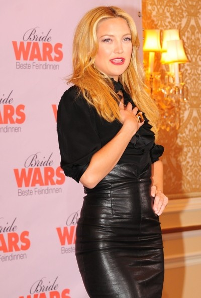 the leather look kate hudson in a leather skirt