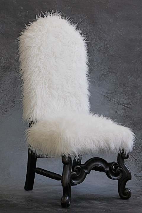 I Am Loving That Chair. Looking For A Chair To Fur Now.