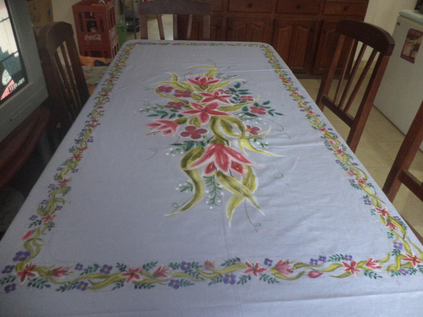 Compartiendo pasiones mantel pintado a mano for Tela para manteles de mesa