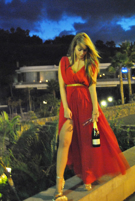 nery hdez, blog canario, res dress, dresses for events