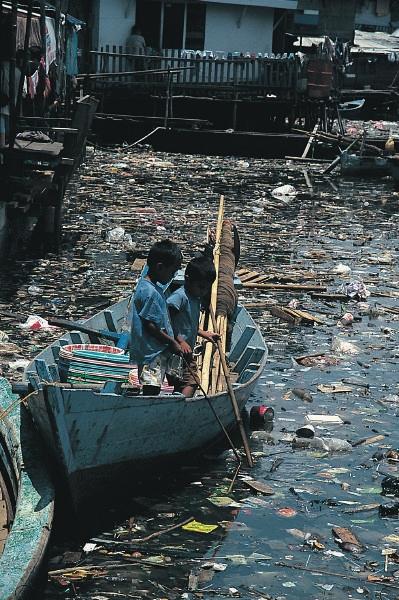 water pollution short essay