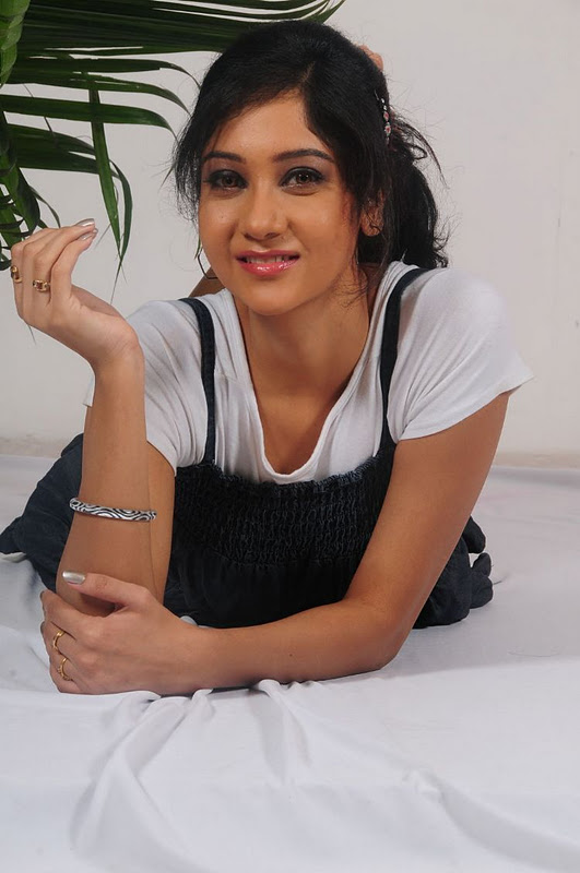 sindhu affen latest stills