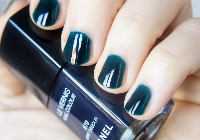 vampy shades nail polish dark green chanel 679 vert obscur