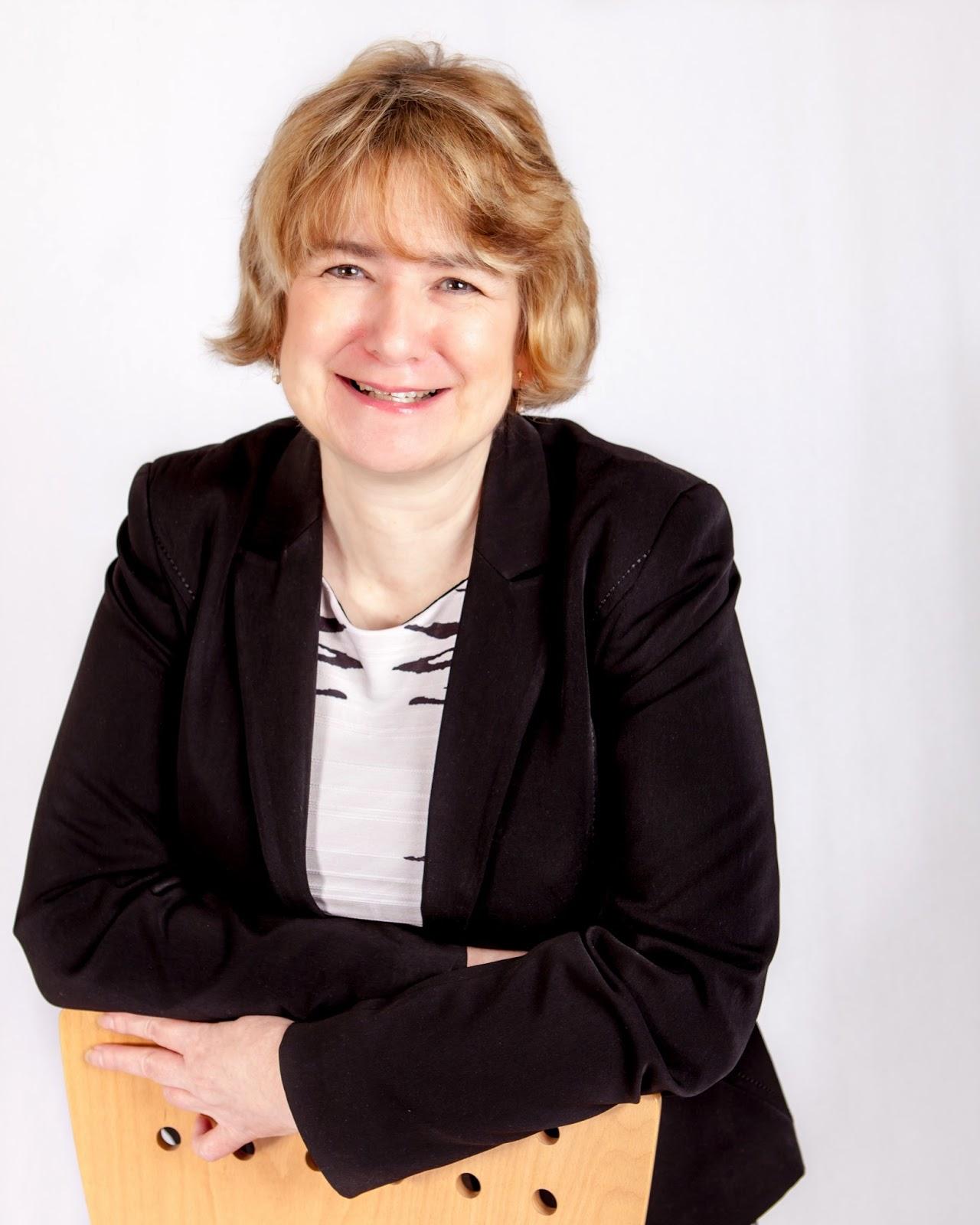 Karen Andrews, content writer