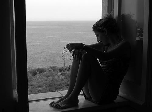 Su pensieri parole vita for Ragazza alla finestra quadro