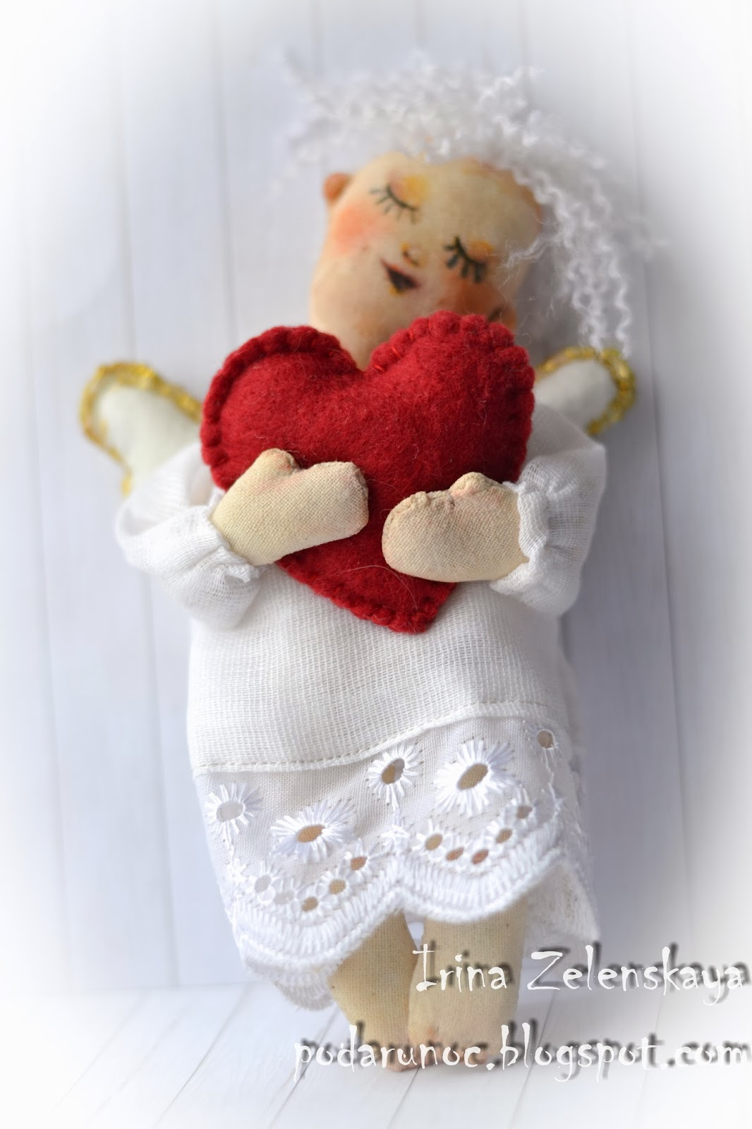 игрушка ангел ко дню святого Валентина