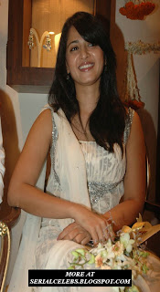 Anushka in white chudidar