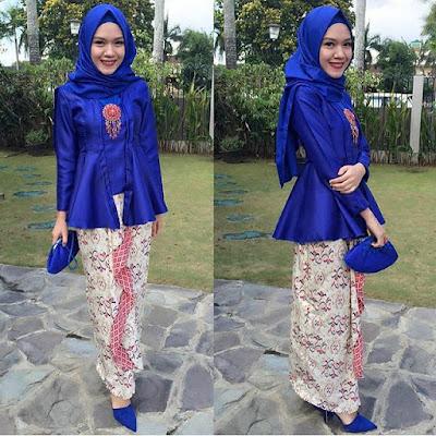 kebaya polos biru hijab dengan rok batik panjang