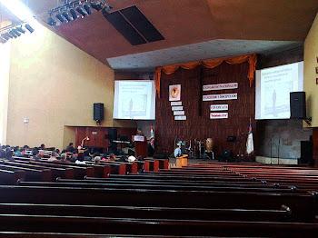 Proyectores en Congreso Evangélico