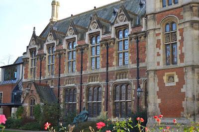 Pembroke College, Cambridge, University, building, old, architecture, Pitt, flowers, sunlight
