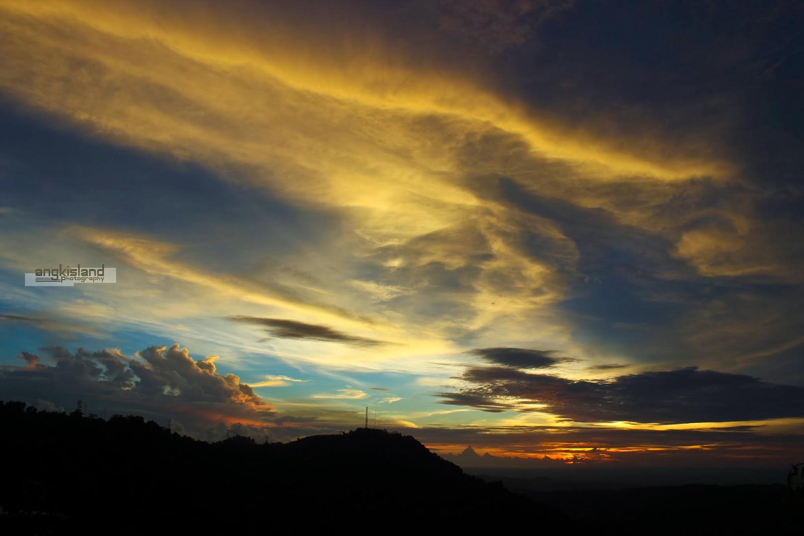 sunset watu amben