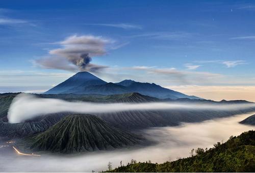 Melihat Keindahan Alam Objek Wisata Gunung Bromo
