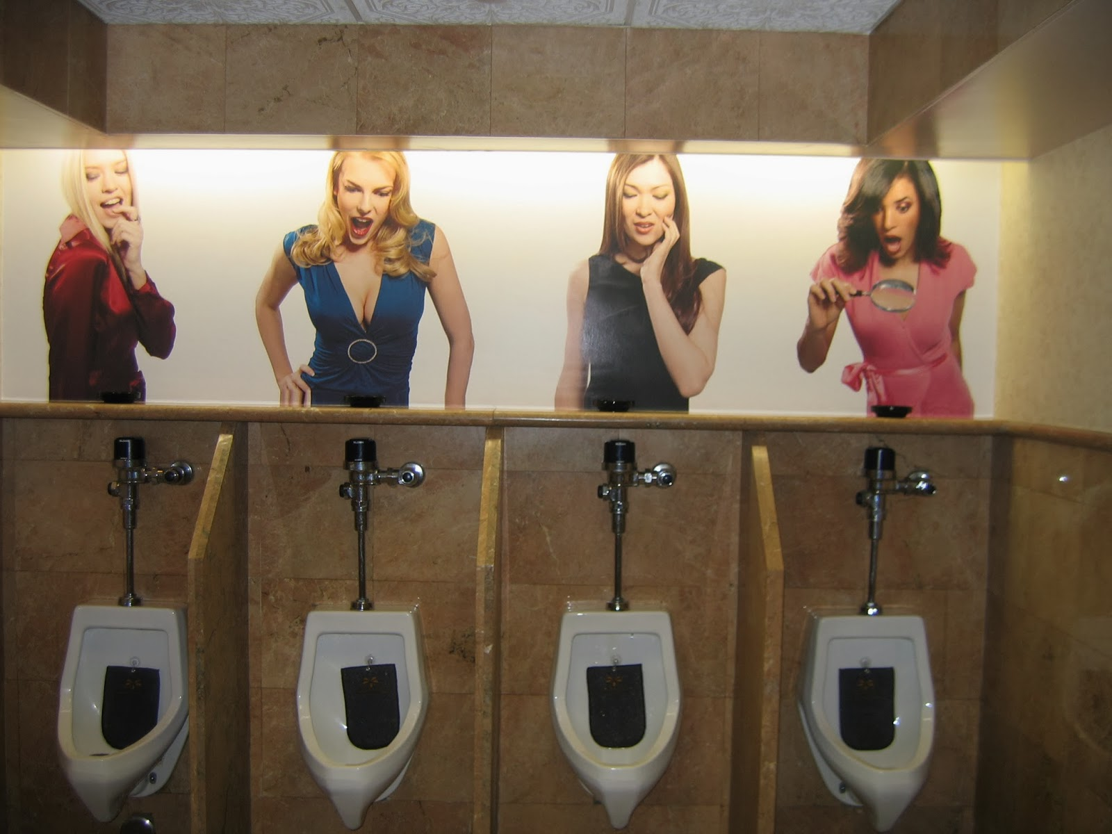 Funny picdumps 11 funniest urinals around the world for Funny bathroom designs