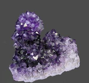 Las piedras, cristales y gemas se pueden utilizar de diferentes formas