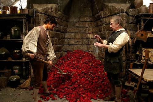 Flores em cena do filme Perfume