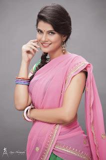 Manisha Shri New Beautiful Actress in Saree and Gowns Beautiful Portfolio
