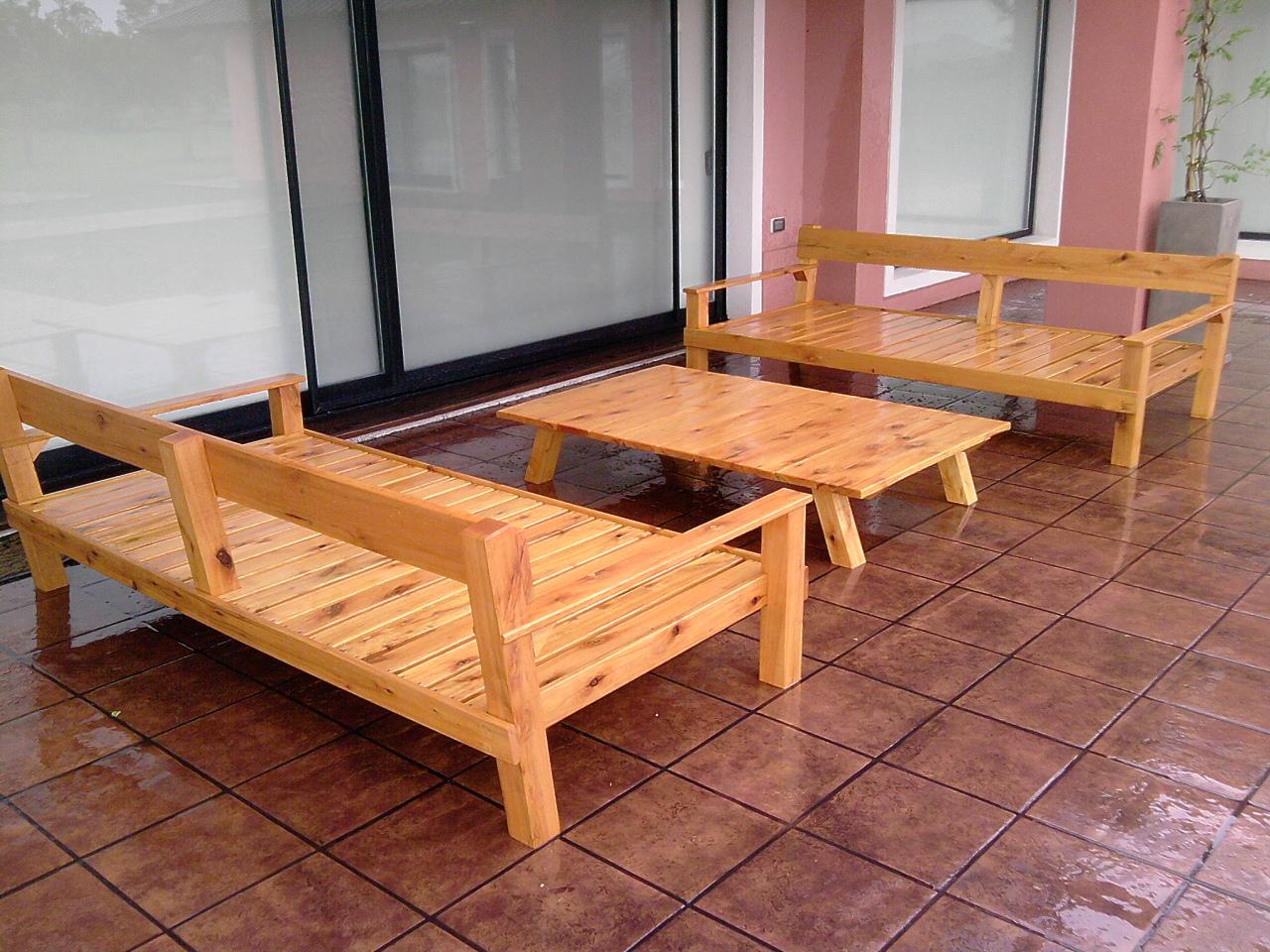 Amoblamientos cj juego de bancos y mesa de jardin for Mesa y banco de jardin