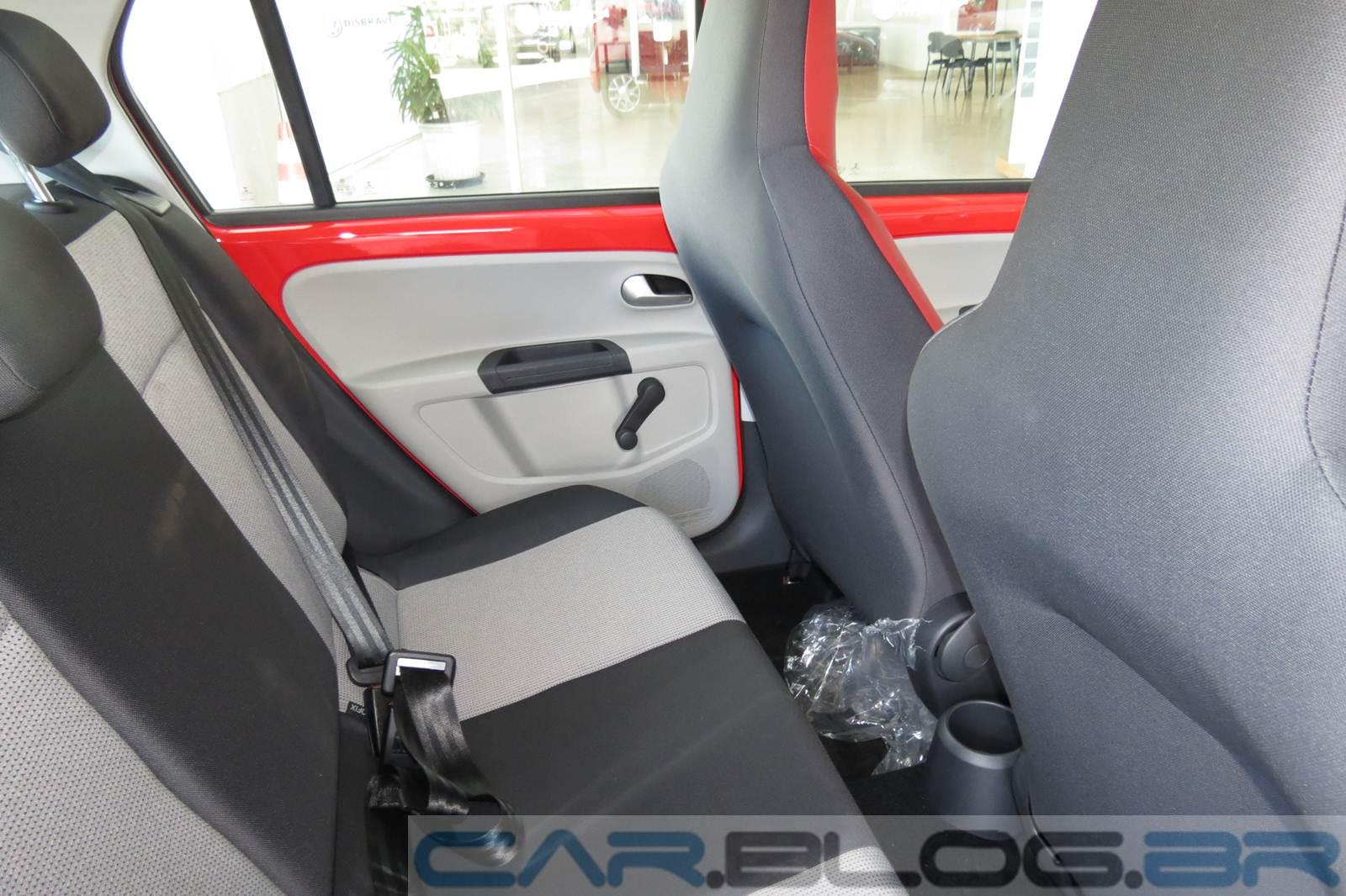 Volkswagen up! - espaço traseiro