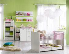 diseño de dormitorio bebé rosa y verde