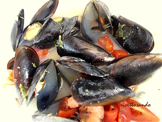 Linguine e cozze  al cartoccio ricetta di pesce