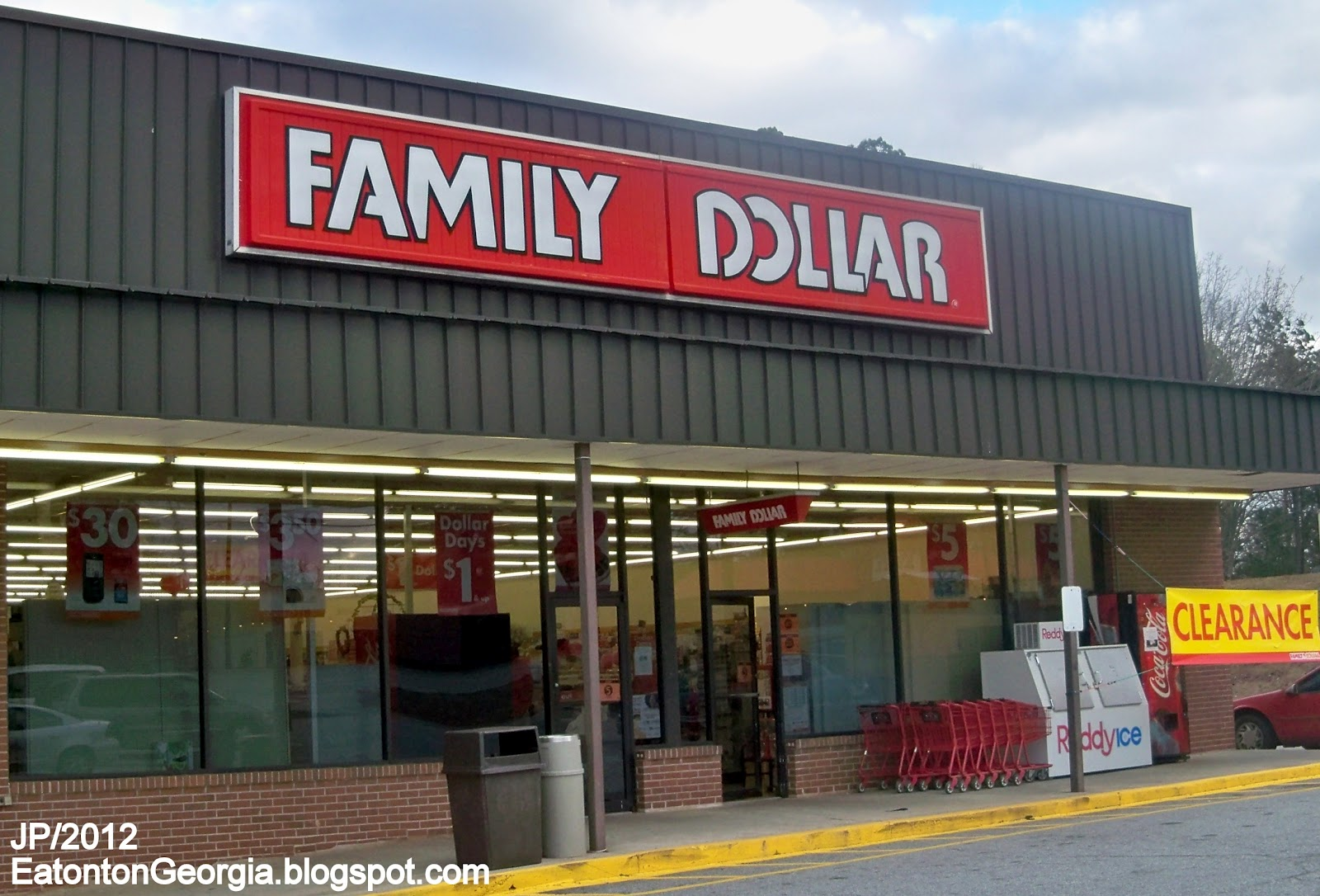 family dollar Want to apply for family dollar jobs for employment at family dollar, get the online job application and apply now.