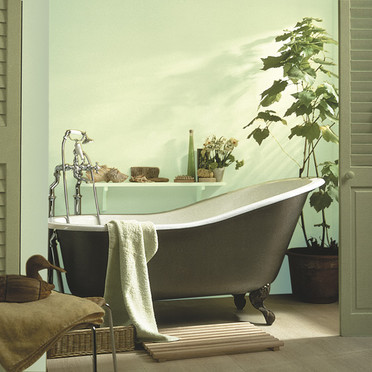 Teia design tend ncia de cor verde esmeralda em ambientes for Peinture murale vert amande
