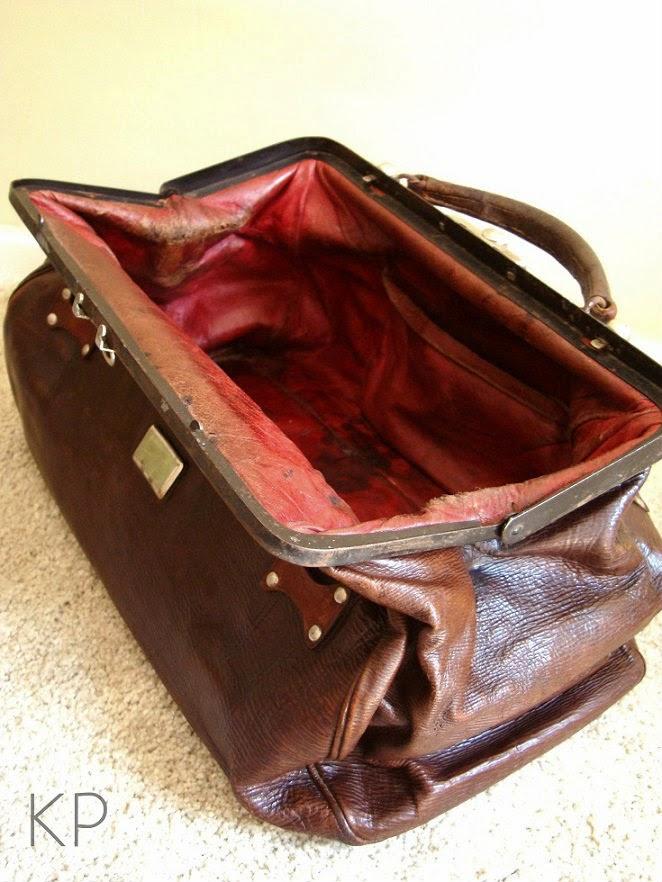 Comprar maletin antiguos de médico en valencia. Venta de objetos de decoración vintage en valencia.