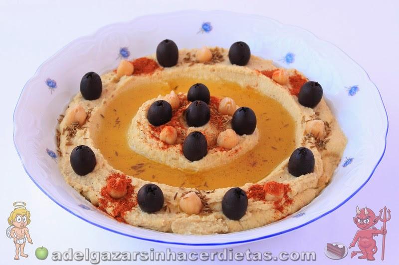 Cómo hacer humus o hummus con esta receta saludable y fácil baja en calorías, apta para veganos, baja en colesterol y apta para diabéticos. Se hace en 10 minutos.