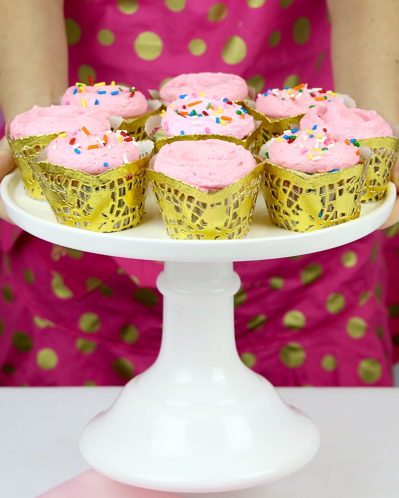 VIDEO} DIY Doily Cupcake Wrappers - Lindsay Ann Bakes